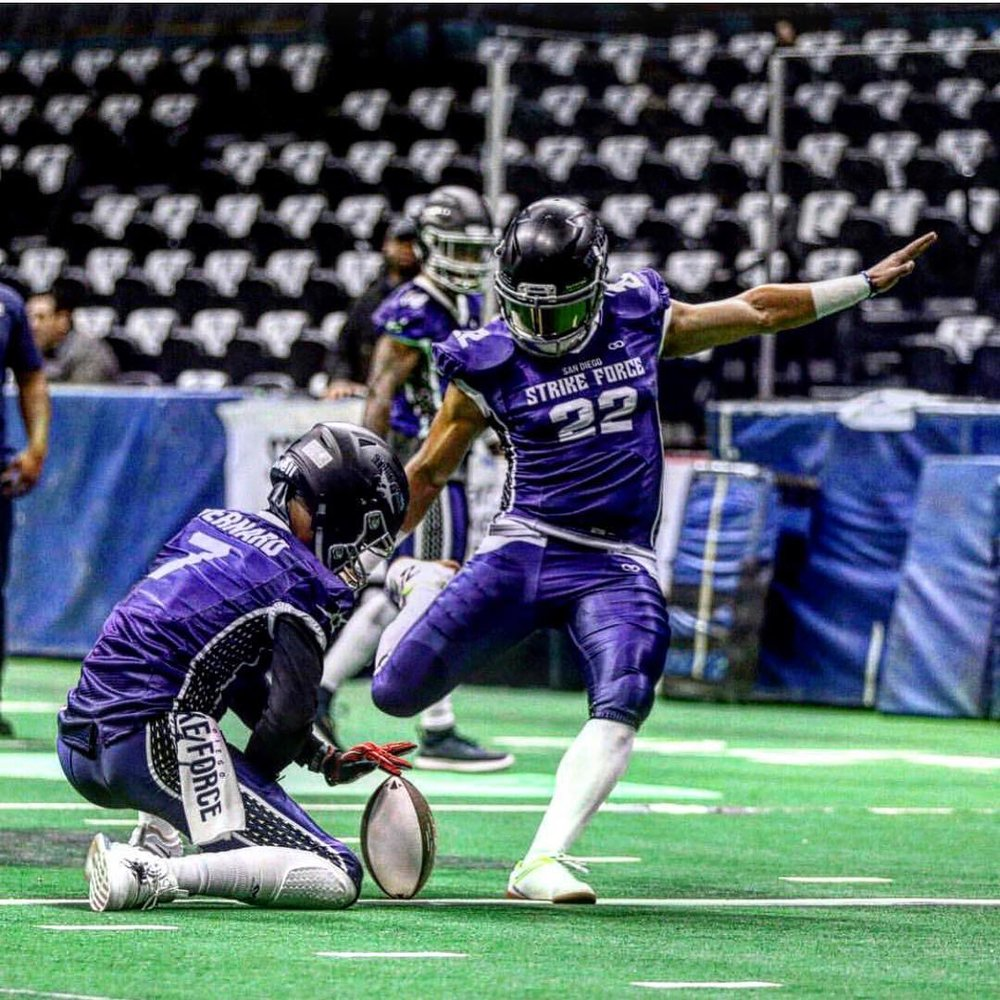 Kicker Ernesto Lacayo Goes From Arena Football To The Xfl Seattle Dragons Xfl News Xflboard Com