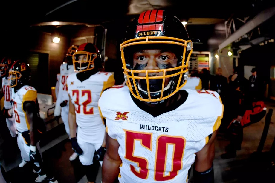 Los Angeles Wildcats linebacker Quentin Gause prepares to hit the field