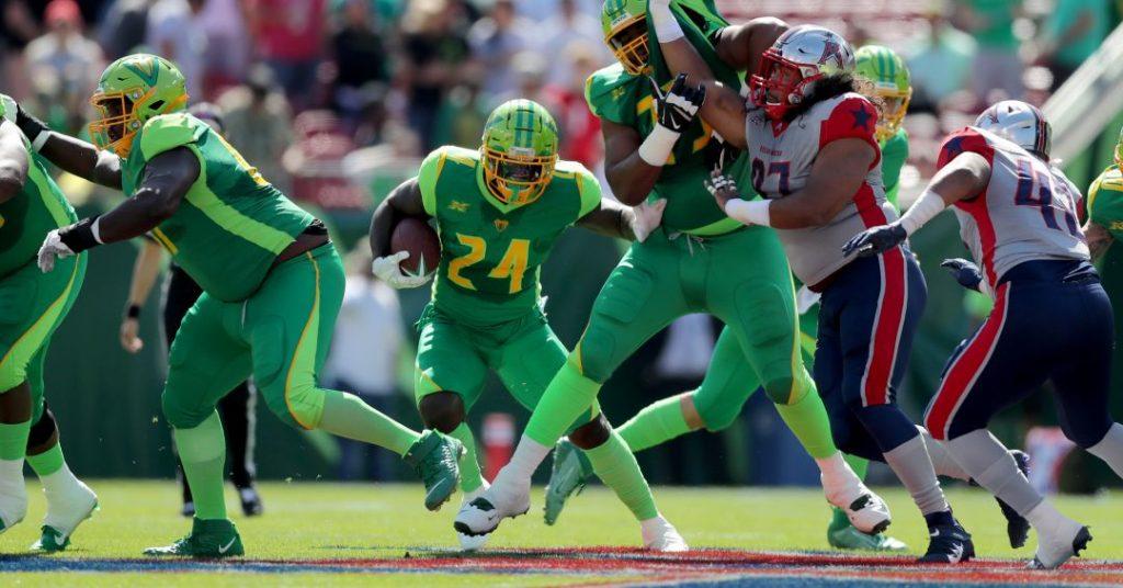 XFL Tampa Bay Vipers running back De'veon Smith